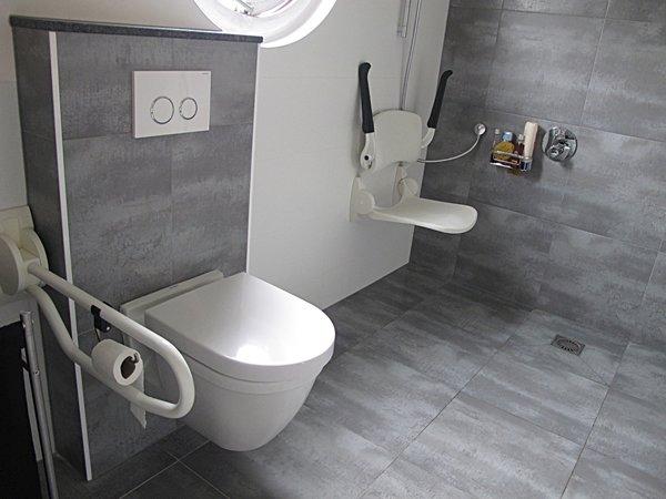 aangepaste moderne badkamer gemaakt en ontworpen door Epskamp ...